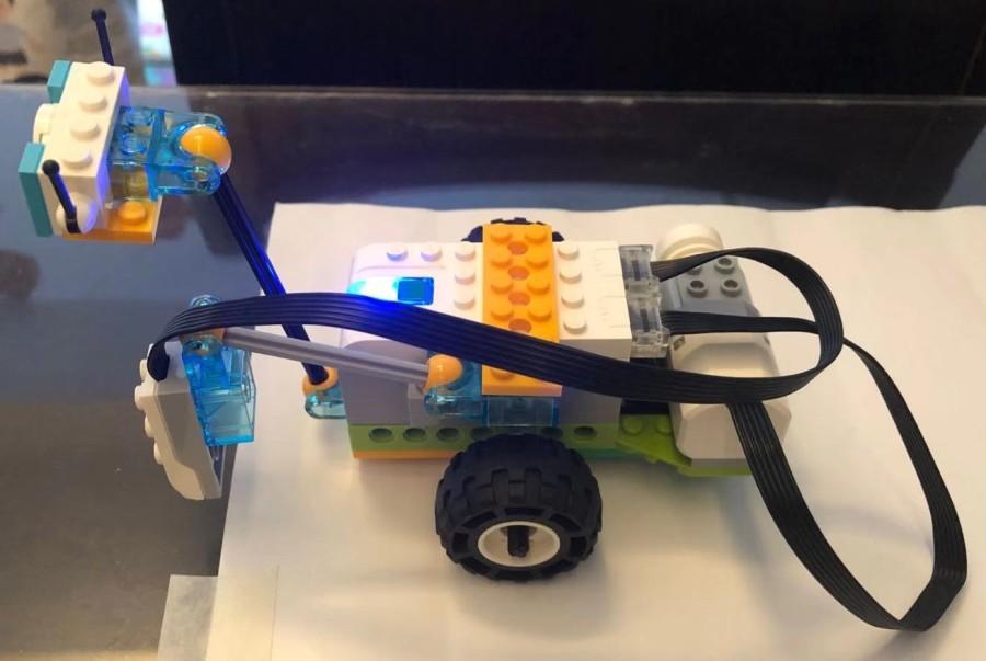 LEGO WeDo 2.0 model